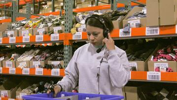 How to Reduce Warehouse Labor Costs With Smarter Order Picking